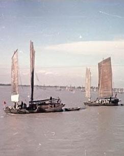 渡江第一船